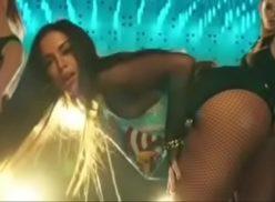 Anitta rebolando seu bundão gostoso